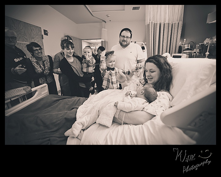wink-photography-newport-washingtion-birth-newborn-family-11