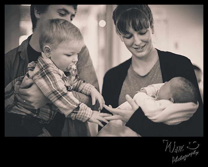 wink-photography-newport-washingtion-birth-newborn-family-12