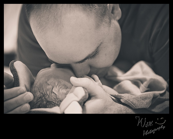 wink-photography-newport- washington-birth-home-family-yay-it's a girl-5